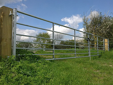 GALVANISED METAL FARM & FIELD GATES | 5, 6, 7 BAR